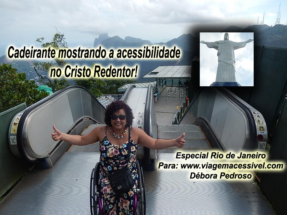 Cadeirante mostrando a acessibilidade no Cristo Redentor